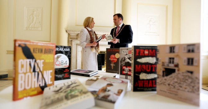 The Lord Mayor of Dublin Cllr Naoise Ó Muirí with City Librarian Margaret Hayes at the announcement of the 2013 shortlist.